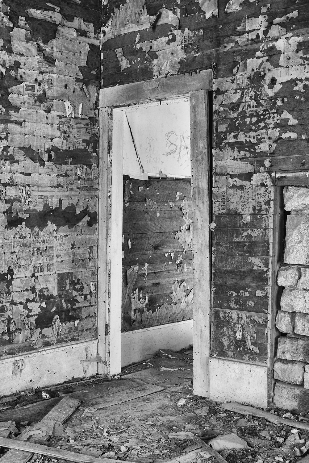 Doorway in an abandoned Tennessee farmhouse