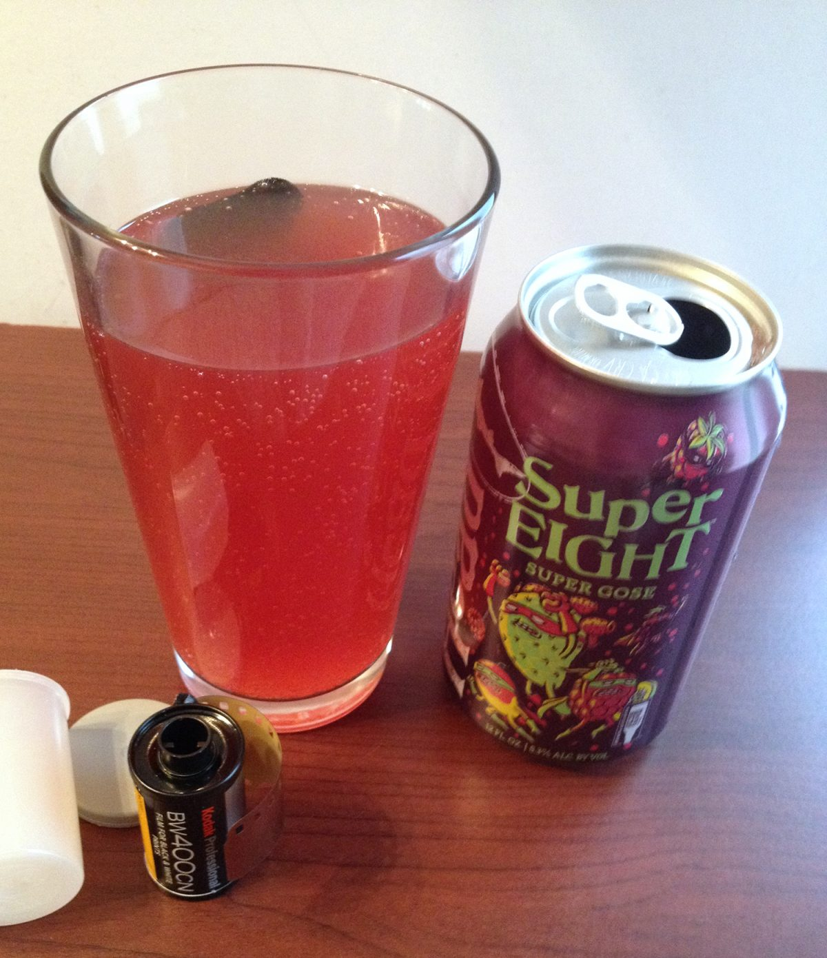Dogfish Head Super EIGHT beer will develop film. But how well does it work?