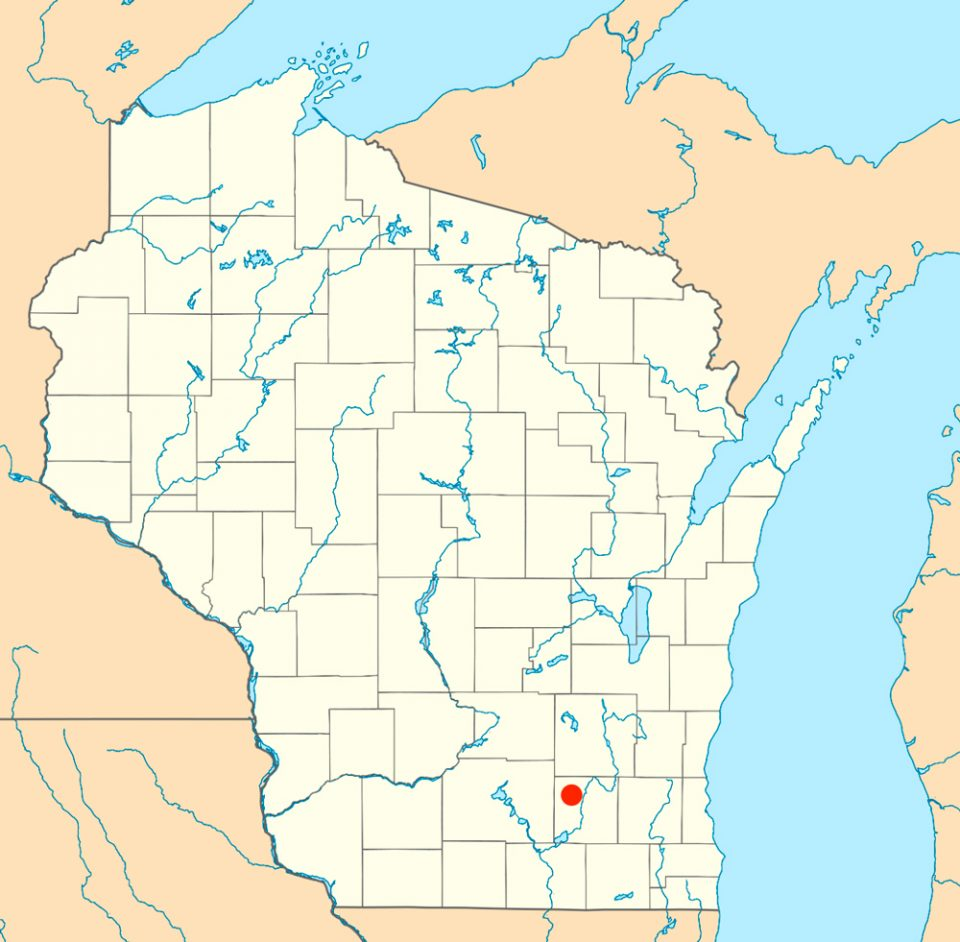 Aztalan is located in south central Wisconsin in Jefferson County. The site is Mississippian era, and was occupied from around 900 - 1300 CE. Map courtesy of Wikipedia, used under CC 3.0 license.