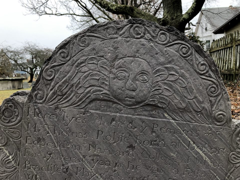 Detail photograph of the Thomas Robie tombstone.