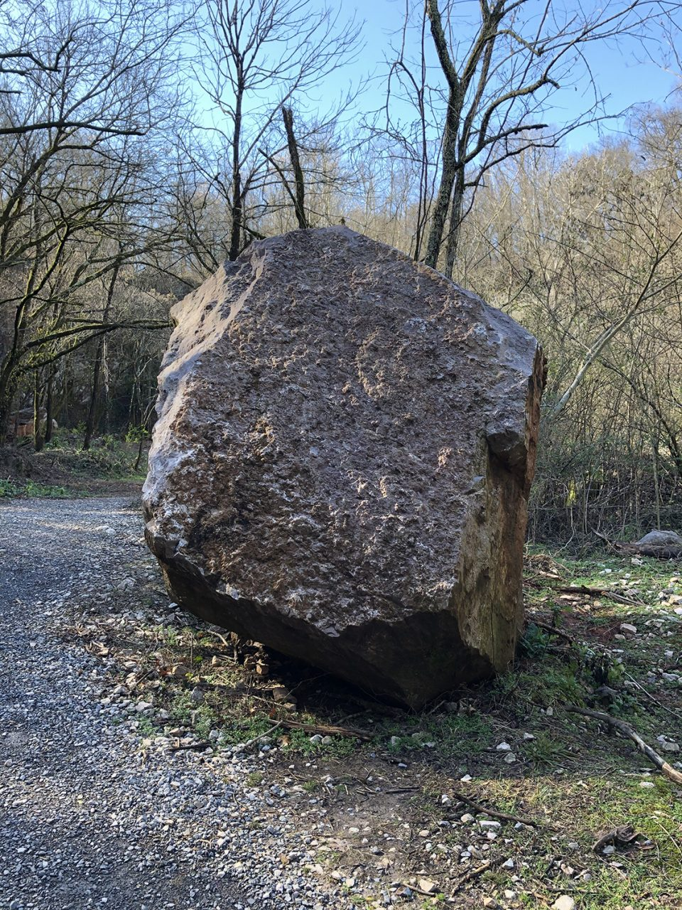 Large boulder along the path to the quarry