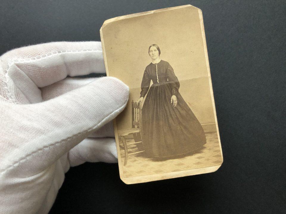 A small 1860s carte de visite albumen portrait made in York, Pennsylvania by the studio of Evans & Prince.