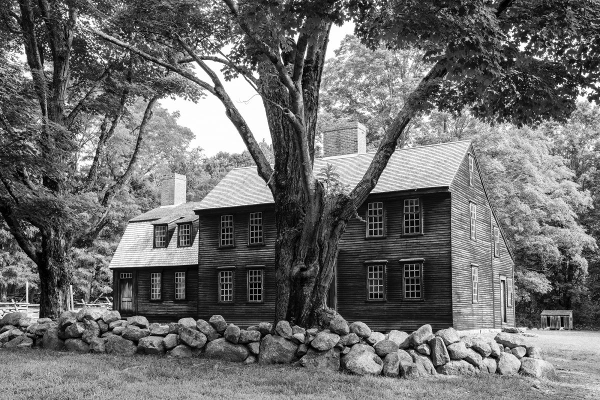 Black and white photograph of the old Hartwell Tavern, built 1733.
